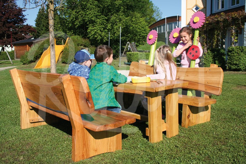Kindersitzbank und Tisch Type 956