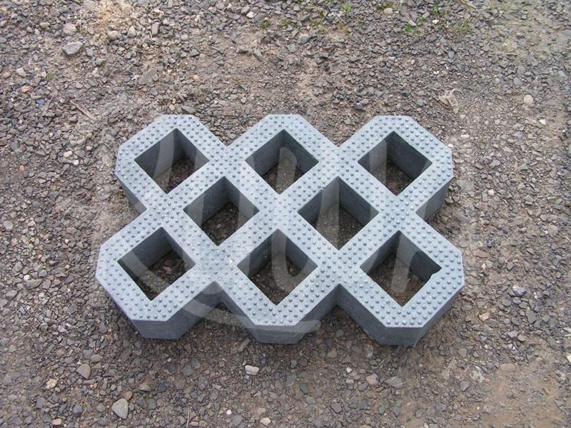Rasengittersteine aus Recyclingmaterial