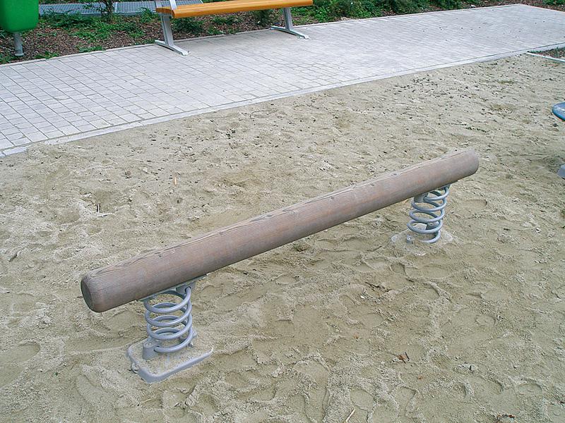 Balancierbalken mit Feder